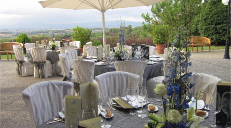 Сыграйте свадьбу на природе в Mas de Sant Lleí в Барселоне.